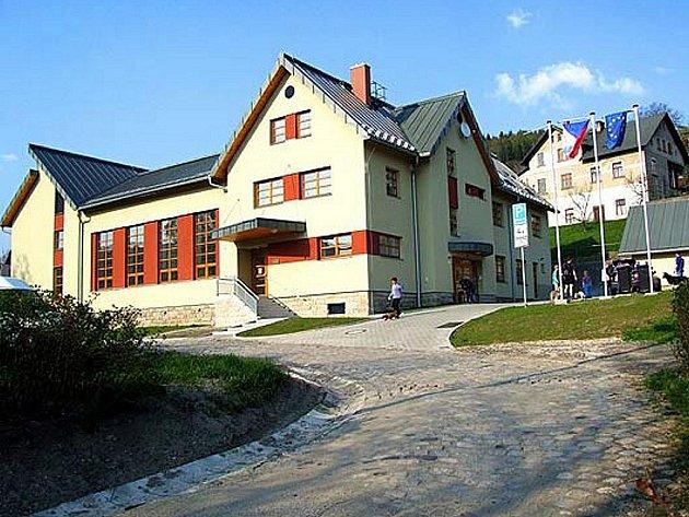 Sokolovna Zlatá Olešnice.