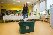 Bývalá biatlonistka Jitka Landová odevzdala 21. října v Jablonci nad Nisou svůj hlas ve volbách do Poslanecké sněmovny Parlamentu České republiky.