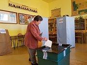 První voliči v Jablonci nad Nisou.
