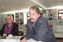 Knihkupectví Serius vede Vladimír Opatrný junior