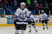 Zápas 40. kola 2. ligy ledního hokeje skupiny Západ se odehrálo 14. února na zimním stadionu v Jablonci nad Nisou. Utkaly se týmy HC Vlci Jablonec nad Nisou a HC Děčín. Na snímku je Jan Víšek.