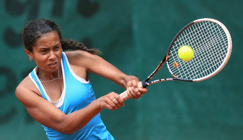 Mezinárodní tenisový turnaj žen Jablonec Cup 2012 vstoupil do hlavní soutěže. Na snímku Pernilla Mendesová z České republiky.