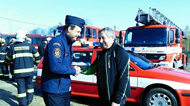 Ivan Lehký působil u Hasičského záchranného sboru Libereckého kraje od 1. 9. 1979. Včera se s ním kolegové loučili, po pětatřicet letech odchází.