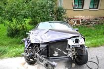K dopravní nehodě v Desné v Jizerských horách vyjeli ve čtvrtek krátce po deváté večer profesionální hasiči ze stanice Velké Hamry.