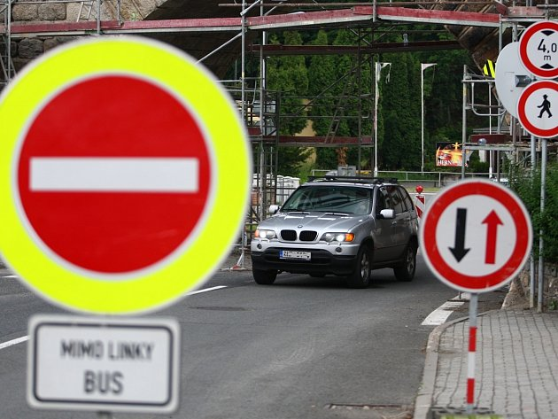 I v Jablonci pozor na stavby na silnicích