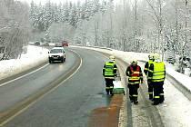 V sobotu 21. února zasahovali hasiči z jednotky Sboru dobrovolných hasičů Proseč nad Nisou při úniku  ropných látek na vozovce.