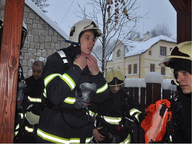 Taktické cvičení na záchranu osob z Domova Maxov