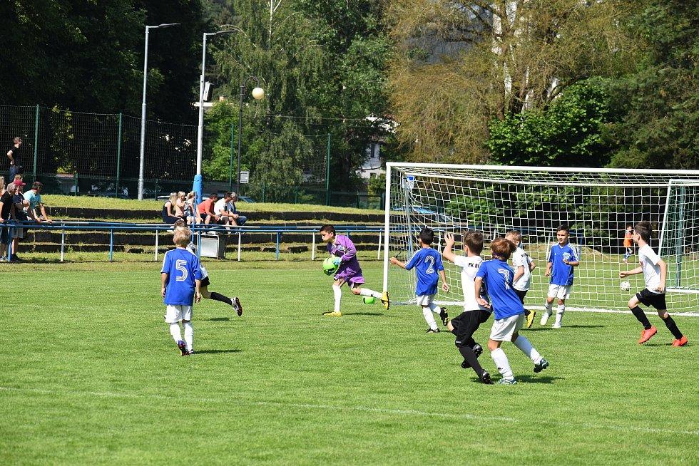 Na několika hřištích si poměřili síly malí fotbalisté z Jablonecka a  Liberecka, kteří dorazili na turnaj do Železného Brodu
