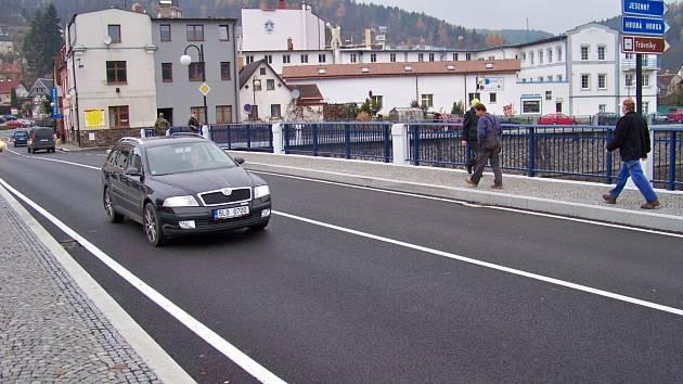 Slavnostní otevření mostu přes Jizeru v Železném Brodě