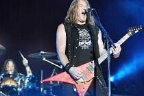 Gamma Ray. V popředí frontman Kai Hansen.