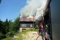 Požár rekreační chaty na Jablonecku.