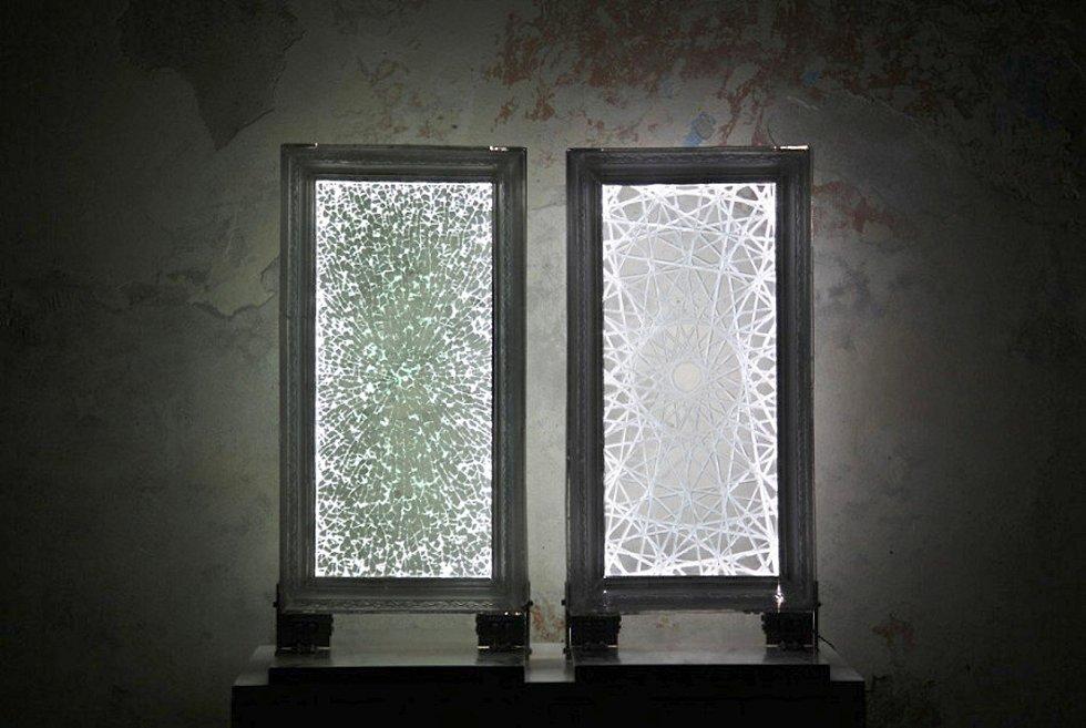 Tets Ohnari 2 - BLINK, sklo, hliník, LED, kombinované techniky.