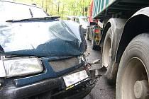 V pátek okolo půl jedenácté dopoledne se stala dopravní nehoda mezi Jabloncem nad Nisou a Libercem v serpentinách poblíž Lukášova.