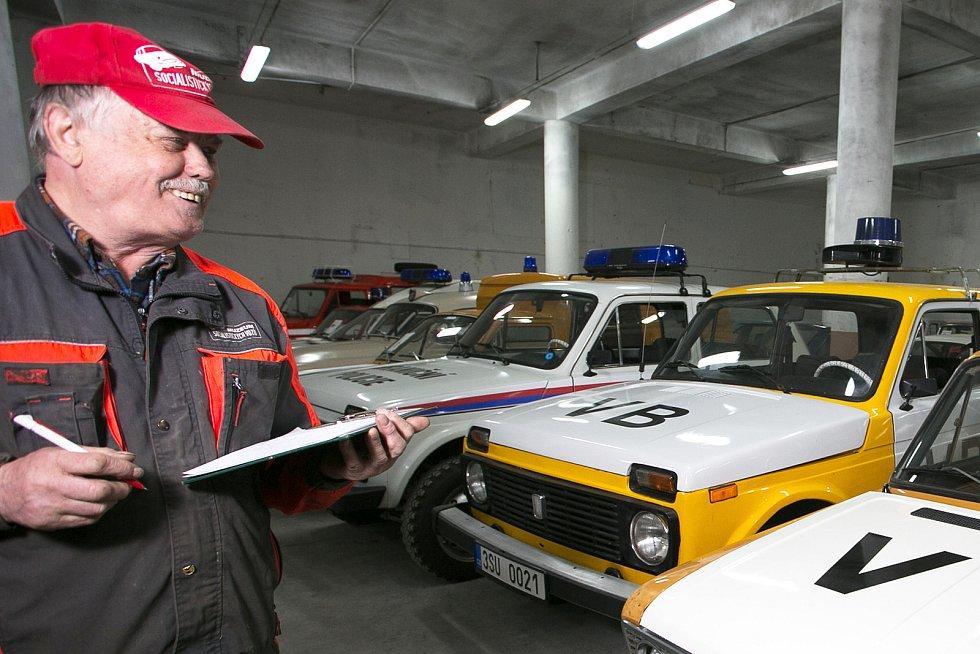 Muzeum socialistických vozů se přestěhovalo z Velkých Hamrů do Železného Brodu. Na snímku předseda spolku Motorgate Pavel Kadaš.