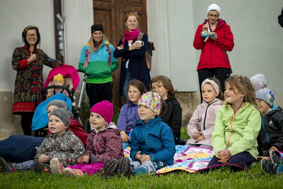 Noc kostelů přiblížili v Železném Brodě i dětem. Akci doplnily dílničky