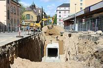 Stavba kanalizace v Jablonci postoupila. V pondělí se tramvaj znovu rozjede.