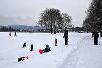 Na Jablonecku spadlo deset centimetrů sněhu