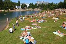 Jablonecká přehrada za parných letních dní