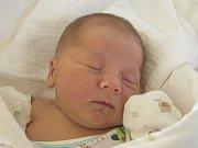 PETR MUŽÁK se narodil v neděli 24. září mamince Pavlíně Pekařové z Českého Dubu. Měřil 50 cm a vážil 3,08 kg
