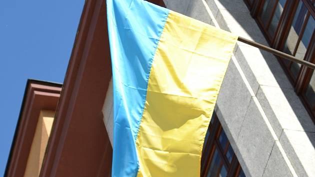 Ukrajinská vlajka na jablonecké radnici