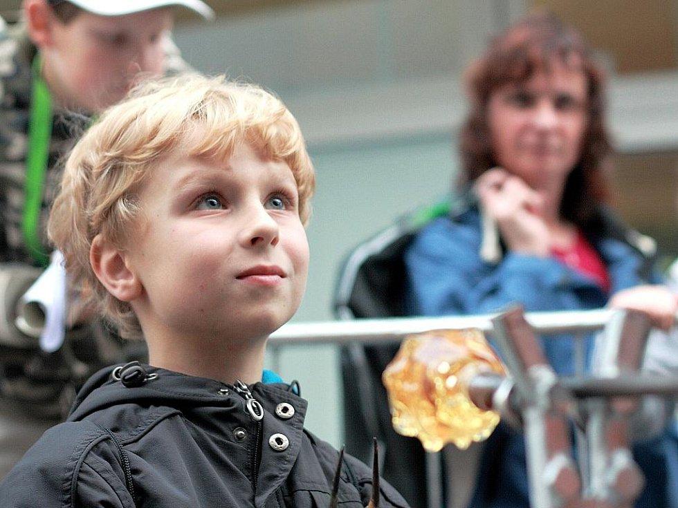 V jabloneckém Eurocentru probíhá od 8. do 10. října 11. ročník výstavy a veletrhu vzdělávání AMOS 2009.