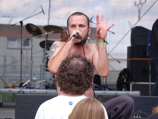 Začal největší hudební festival na severu Čech. Mezi prvními kapelami se představila i Atari Terror, vítězové soutěže Jack Daniel's Music, kteří před nedávnem navštívili hudební města Nashvillu.