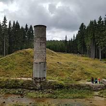Protržená přehrada na Bílé Desné.