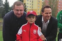 Hynek Erlebach uprostřed, Pavel Vrba vlevo