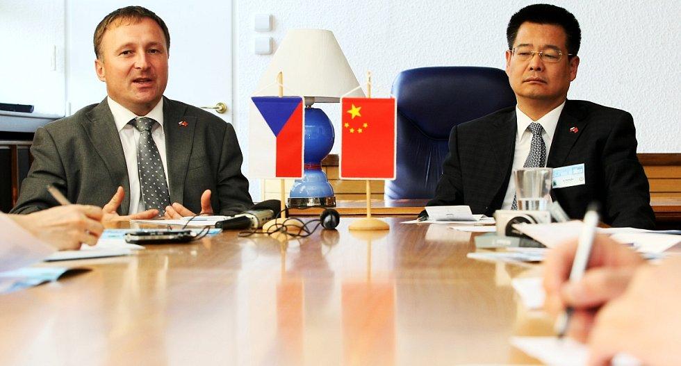Primátoři Li Hongije a Petr Beitl.