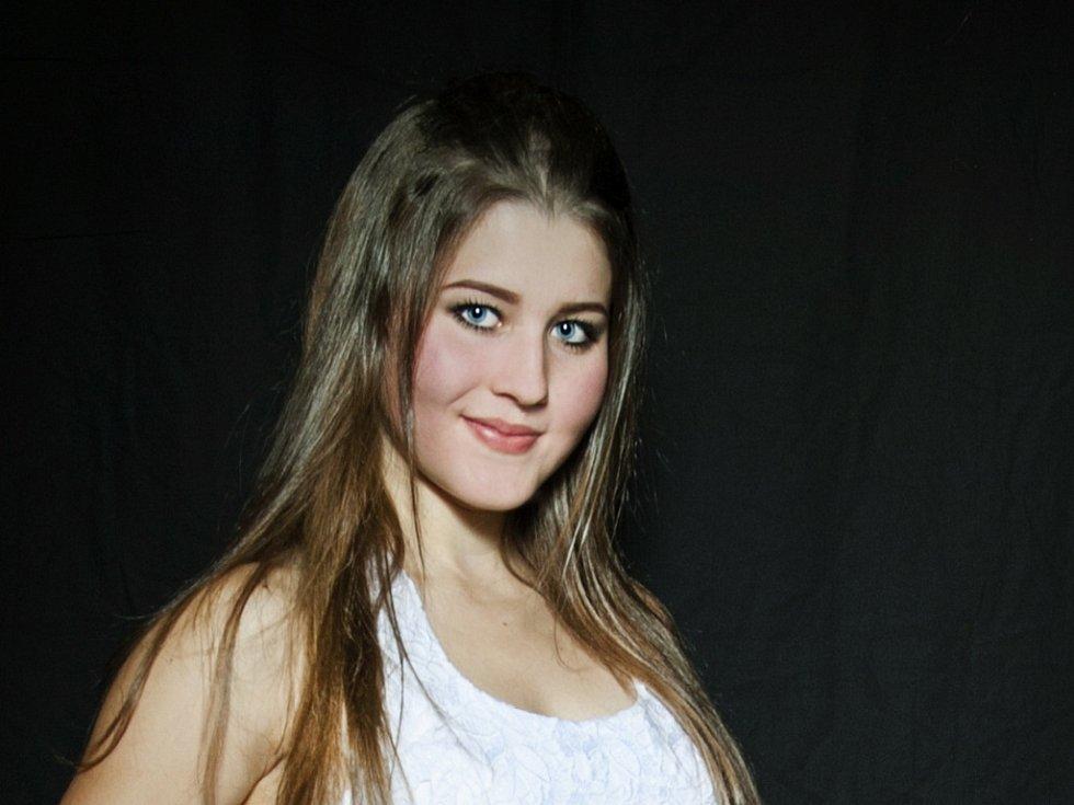 PAVLÍNA KUDEROVÁ 17 LET. Soutěžící dívka č. 42 studuje SPŠSE Liberec.