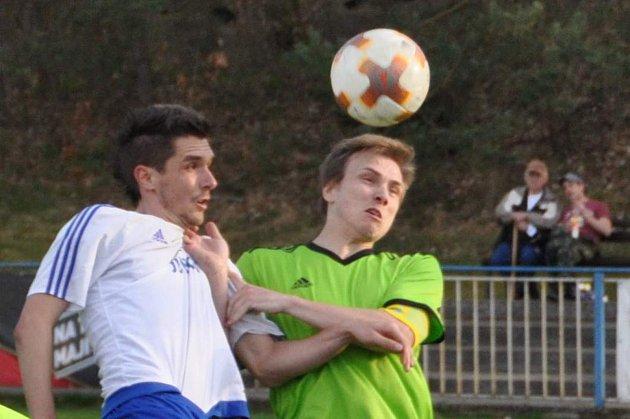 V zápase krajského přeboru si tři body na své konto připsali domácí. Železný Brod - Doksy 4:0 (2:0)