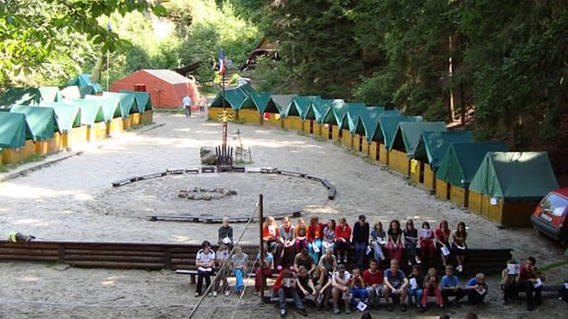 Krčkovice - to je známé tábořiště - na snímku tábor Sokola Lomnice ned Popelkou