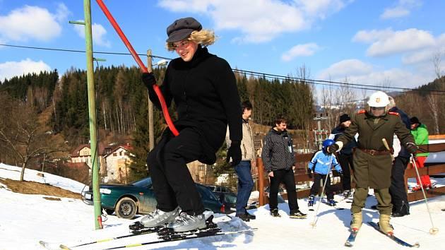 Rej masek v areálu Ski Plavy
