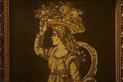 Vernisáž výstavy vyšívaných obrazů paní Gordany Momičové, Malováno jehlou, proběhla 16. října v Městském divadle v Jablonci nad Nisou. Výstava potrvá do 27. listopadu.