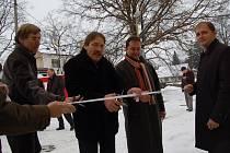 Slavnostního přestřihnoutí pásky u tří nových bytových družstev se zúčastnil i starosta města Rychnov František Chlouba. Přibližně jeden rok trvala výstavba dvaceti čtyř bytů, které investoři pojmenovali Gertruda, Božena a Jadwiga.