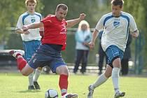 Mšeno (v bílém) doma prohrálo s nováčkem přeboru z Hejnic 0:1.