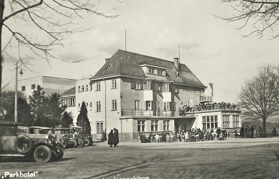 Parkhotel v roce 1930.