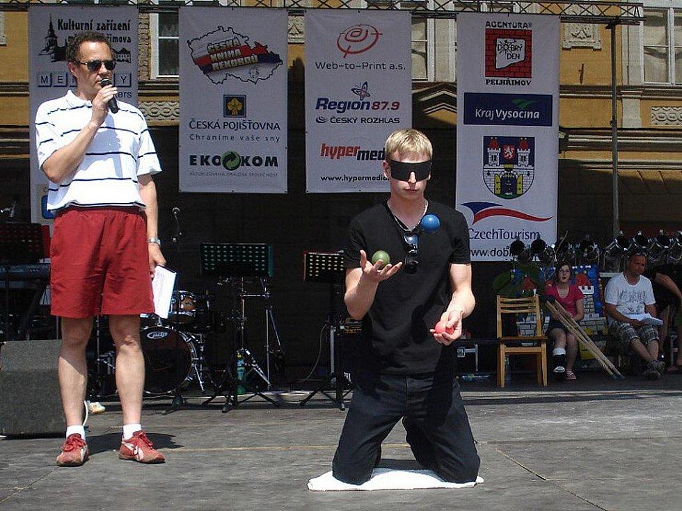 20. ročník festivalu rekordů a kuriozit v Pelhřimově. Zdeněk Bradáč.