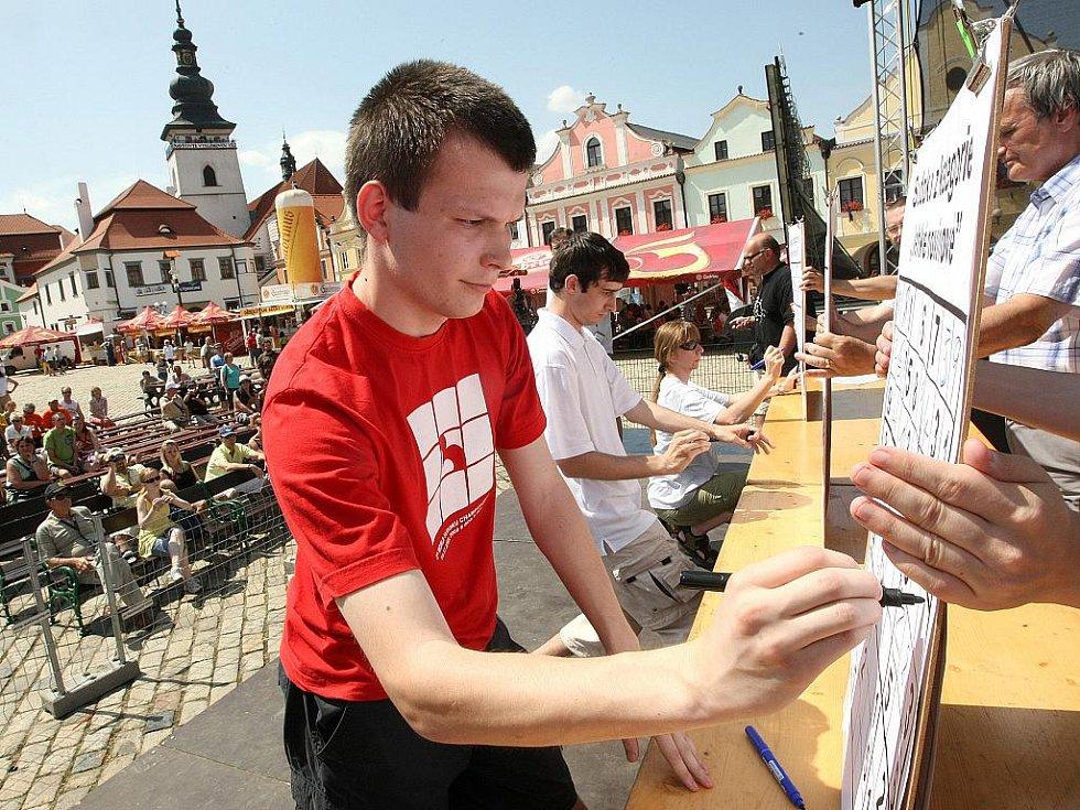 20. ročník festivalu rekordů a kuriozit v Pelhřimově. Soutěž sudoku.