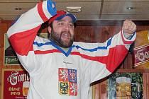 Euforie ze zisku mistrovského hokejového titulu vyhnala fanoušky do nočních ulic.