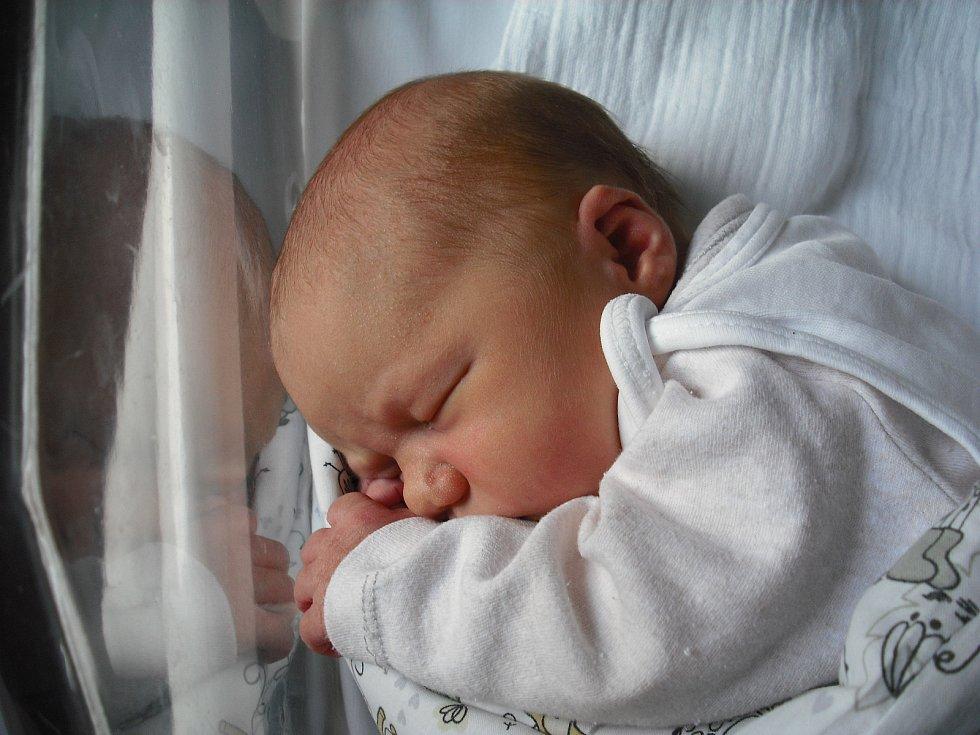 Anna Joanna Cieślak. Narodila se 8. dubna v jablonecké porodnici mamince Monice Szymanské ze Smržovky. Vážila 3,23 kg a měřila 49 cm.
