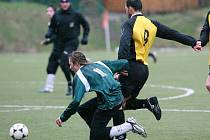 Velké Hamry (v zeleném) vyřadily z krajského poháru Železný Brod po výhře 2:0.