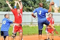 Házenkáři Jablonce (v modrém) porazili v prvním kole poháru Českou Lípu rozdílem deseti bodů.