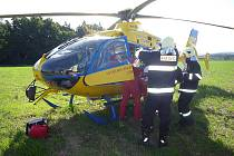 Po ošetření byl spolujezdec z dopravní nehody v Ohrazenicích transportován vrtulníkem do nemocnice.