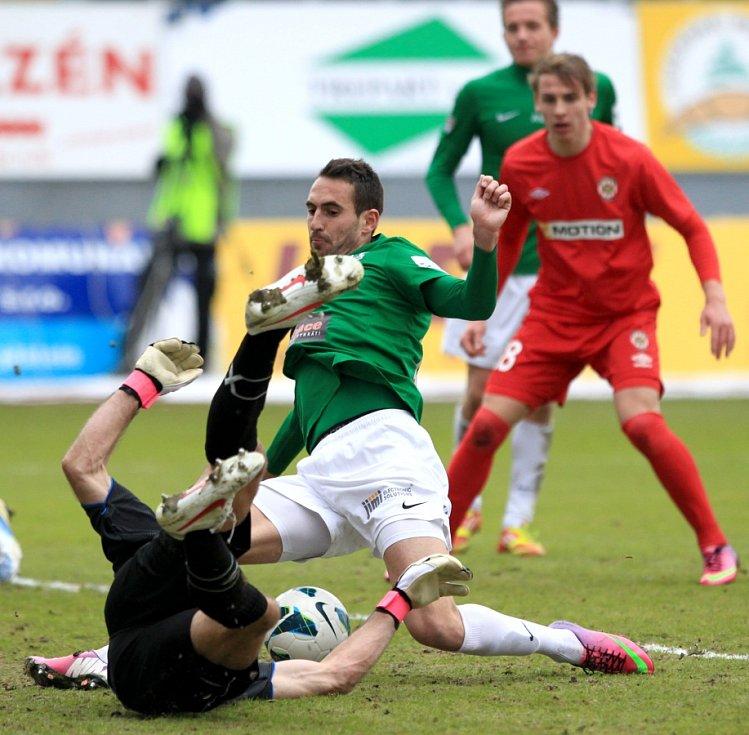Jablonec porazil doma Brno 2:0. Na snímku Lukáš Zoubele z Jablonce u zrodu své gólové šance, kterou proměnil.