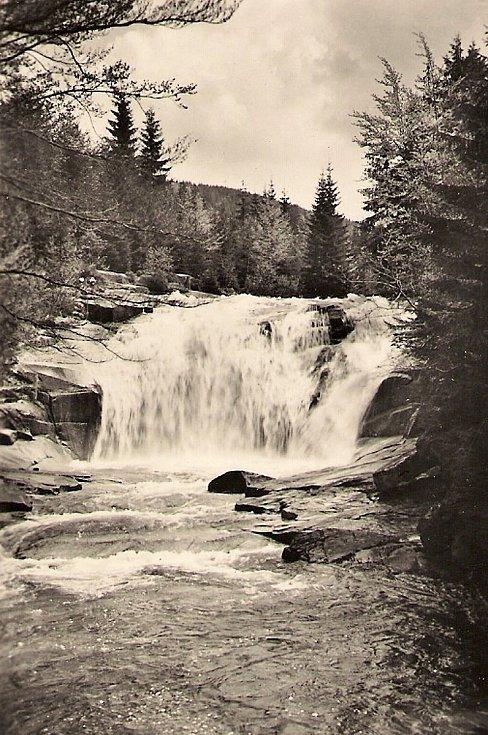 Historické fotografie Harrachova. Mumlavské vodopády.