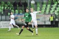 Utkání 14. kola HET ligy mezi MFK Karviná vs. FK Jablonec hrané 19. listopadu 2017 v Karviné. (vlevo) Kubista Vojtěch , Filip Panák.