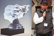 Trofej pro vítěze soutěže o Firemní auto roku v České republice a Fleetové ceny ČR nese název Fleetová múza. Je dílem jizerskohorských sklářů z Desné.