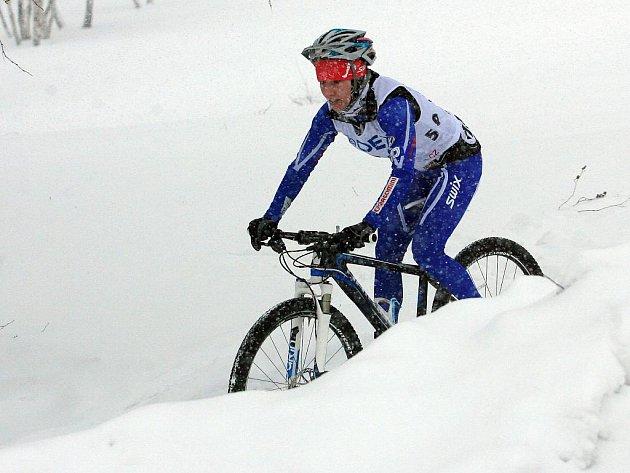 Zimní triatlon v Jablonci prověřil odolnost všech závodníků. Podmínky byly extrémní.