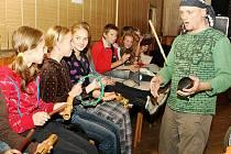 Tradičně si první koncert Sletu bubeníků vyslechnou odpoledne handicapované děti a dospělí s doprovodem.